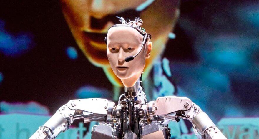 Alter 3, el robot japonés que dirige orquestas