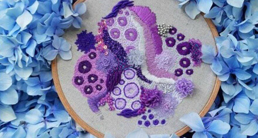 Hannah Kwasnycia y sus tejidos de coral