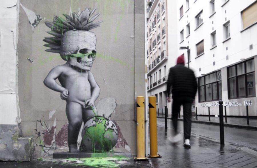 Ludo llega con piezas a París