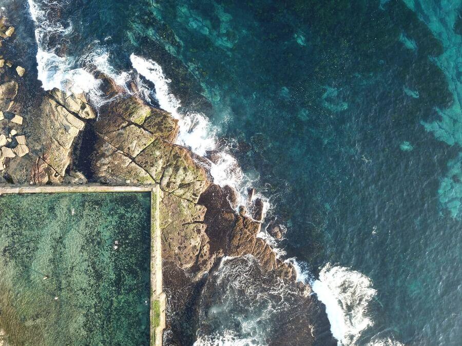 Nikole Larkin captura la belleza el océano y las piscinas