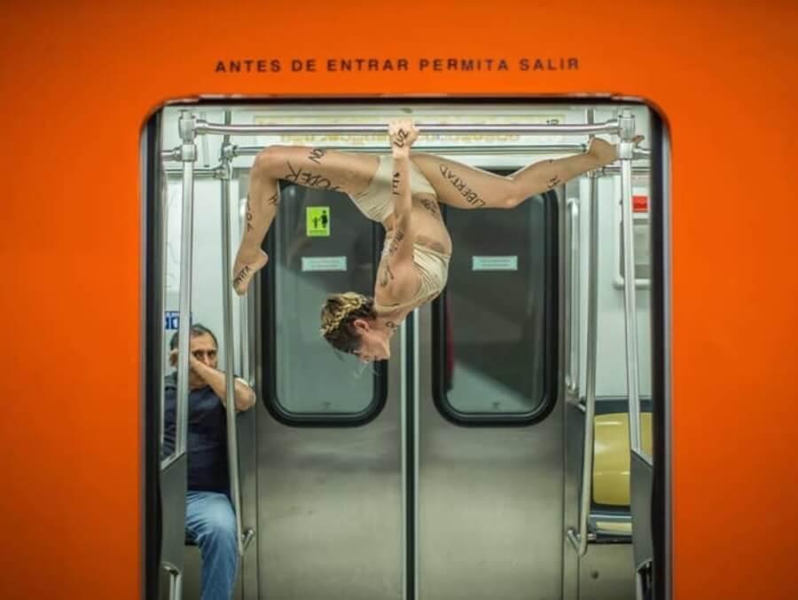 Edgar Olguín nos presenta su serie en el metro de la CDMX