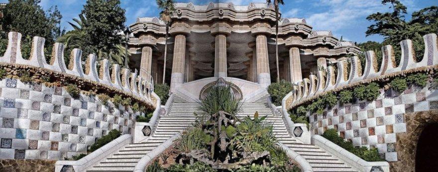 Editorial Taschen presenta libro de Antoni Gaudí