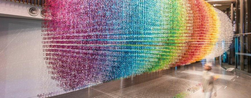 Emmanuelle Moureaux y sus instalaciones númericas coloridas