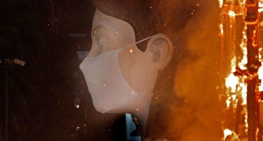 Escif's Falla de Valencia is burned without public due to Covid19