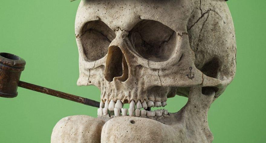 Filip Hodas imagina cráneos de caricaturas famosas