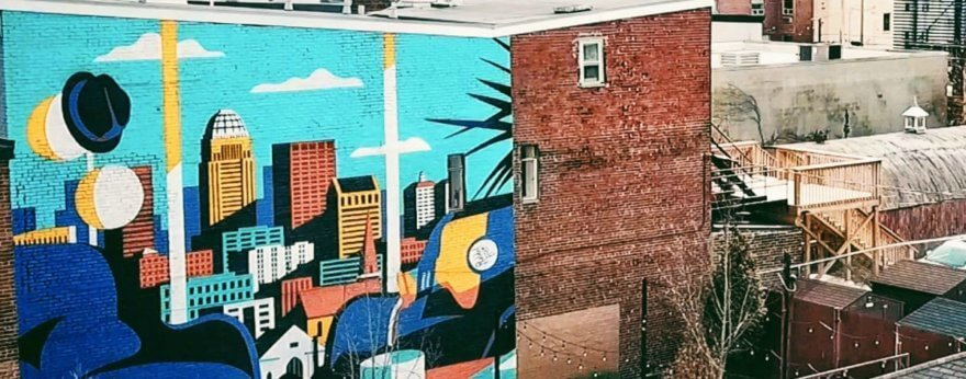 Jeremy Booth celebra con un mural a la creatividad local