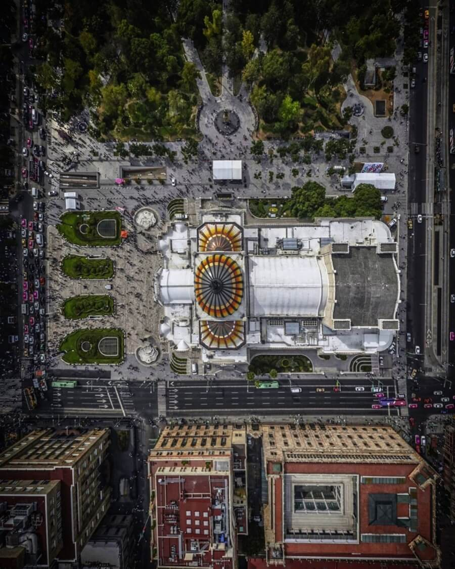 "Santiago Arau presents ""Territorios"" / Aerial photography of the Palace of Fine Arts taken with drone"