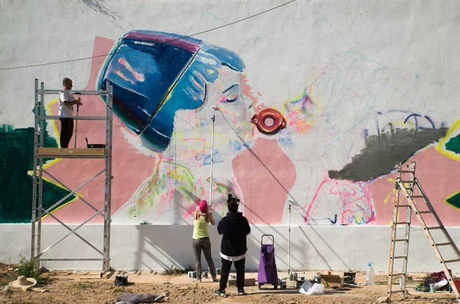 Ana Barriga presentó mural en Tapia