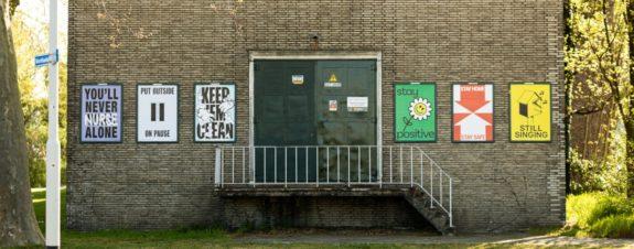 Carteles positivos en Holanda ante Covid-19