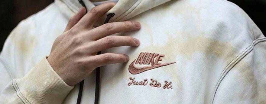 Nike lanza colección Tie-Dye con camisetas y sudaderas