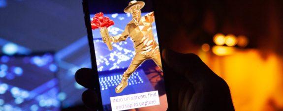 Galería de arte digital permite colectar obras a lo Pokómon Go
