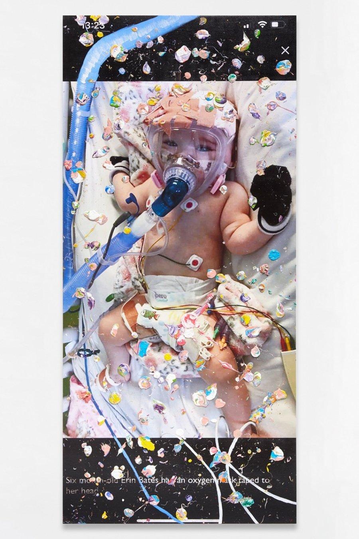 Pintura el artista con bebé contagiado de Covid-19