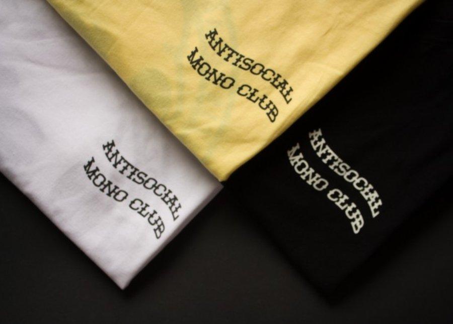 Playeras Anti Social Mono Club, una de las marcas de streetwear barato