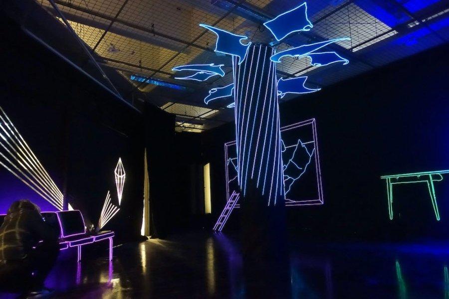 """La artista argentina presentó su instalación """"Swim Dreams"""""""