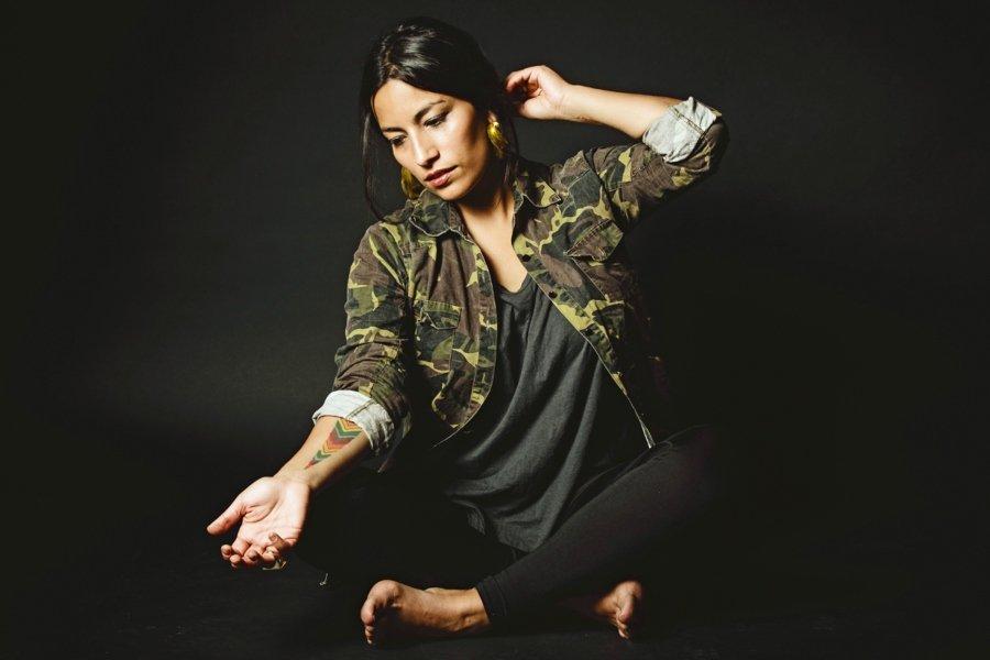 Retrato de la rapera chilena Ana Tijoux