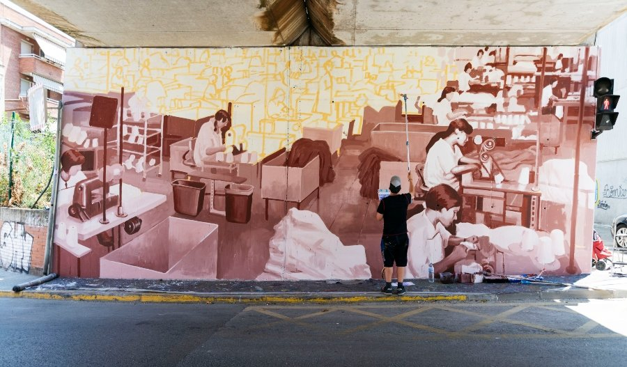 Jeff McCreight 'Ru8icon' pintando mural