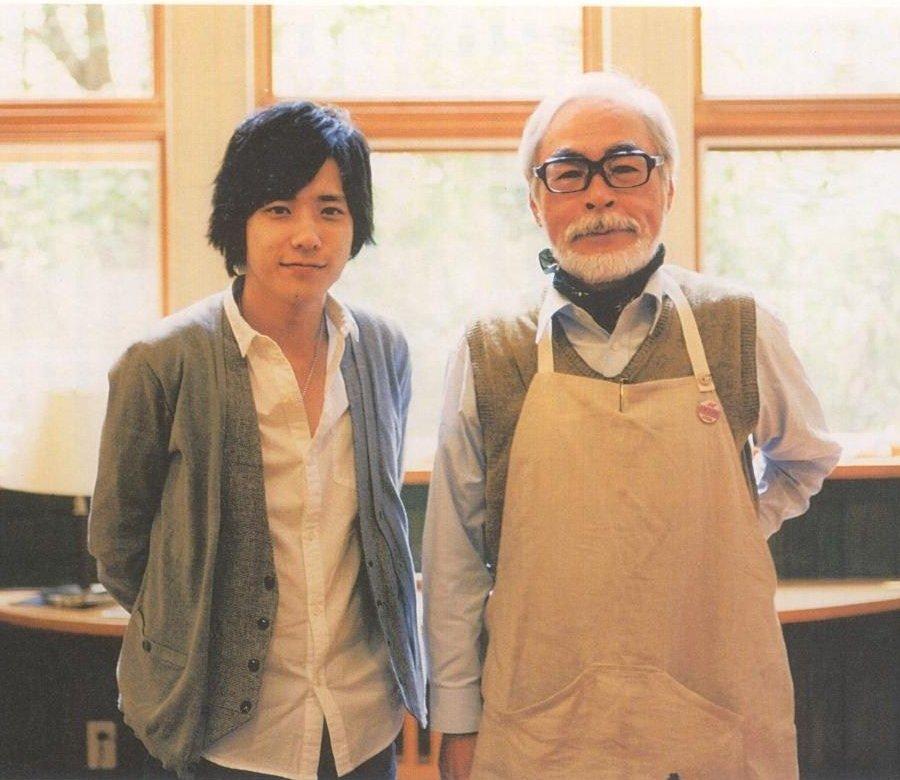 Hayao Miyazaki junto a su hijo Goro