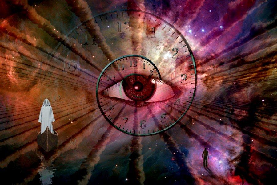 Imagen de un ojo humano en una metáfora del tiempo