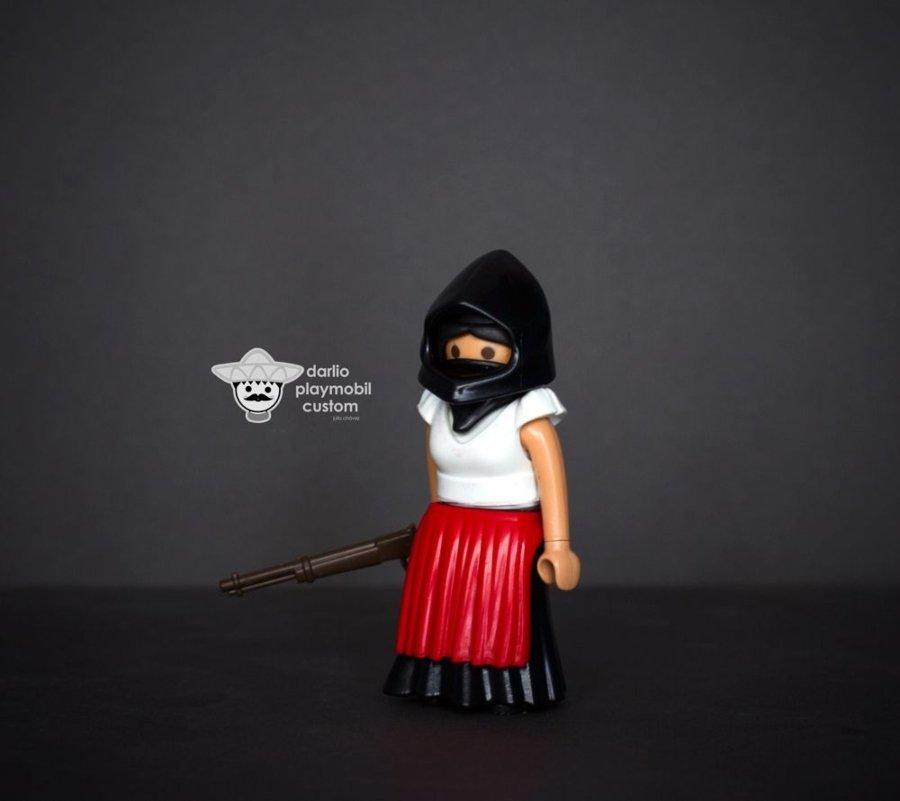 Historia de México versión Playmóbil/ Mujer Zapatista