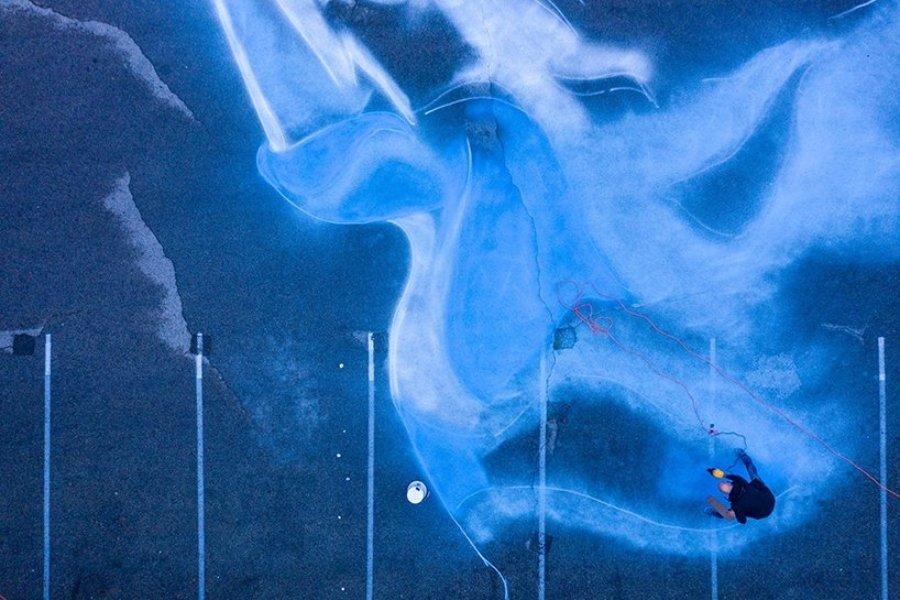 """Jorge Rodriguez Gerada pintó """"Somos Luz"""" en Queens"""