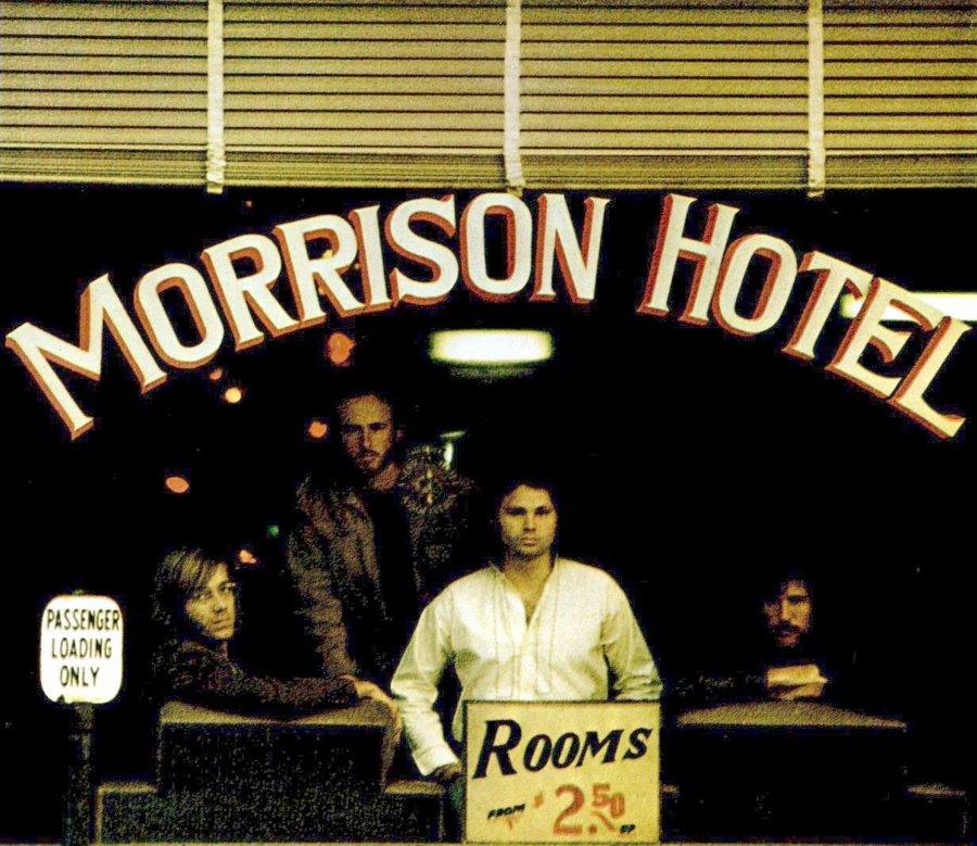 Portada del álbum Morrison Hotel de the doors de 1930