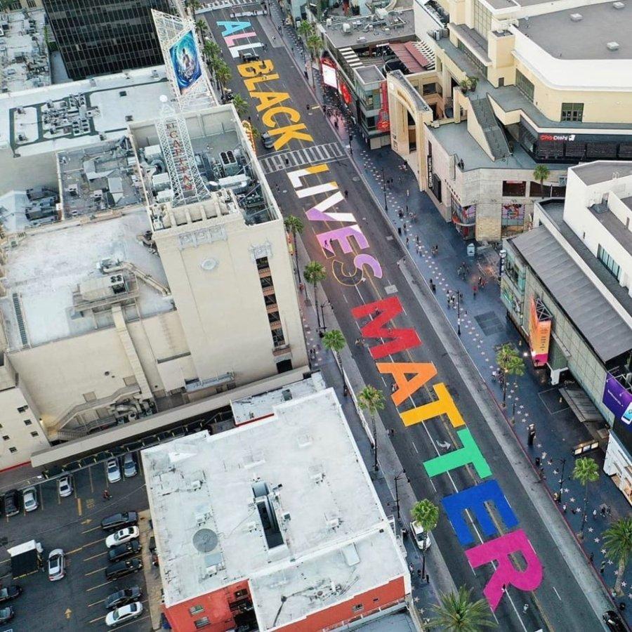Mural Black Lives Matter en Los Ángeles