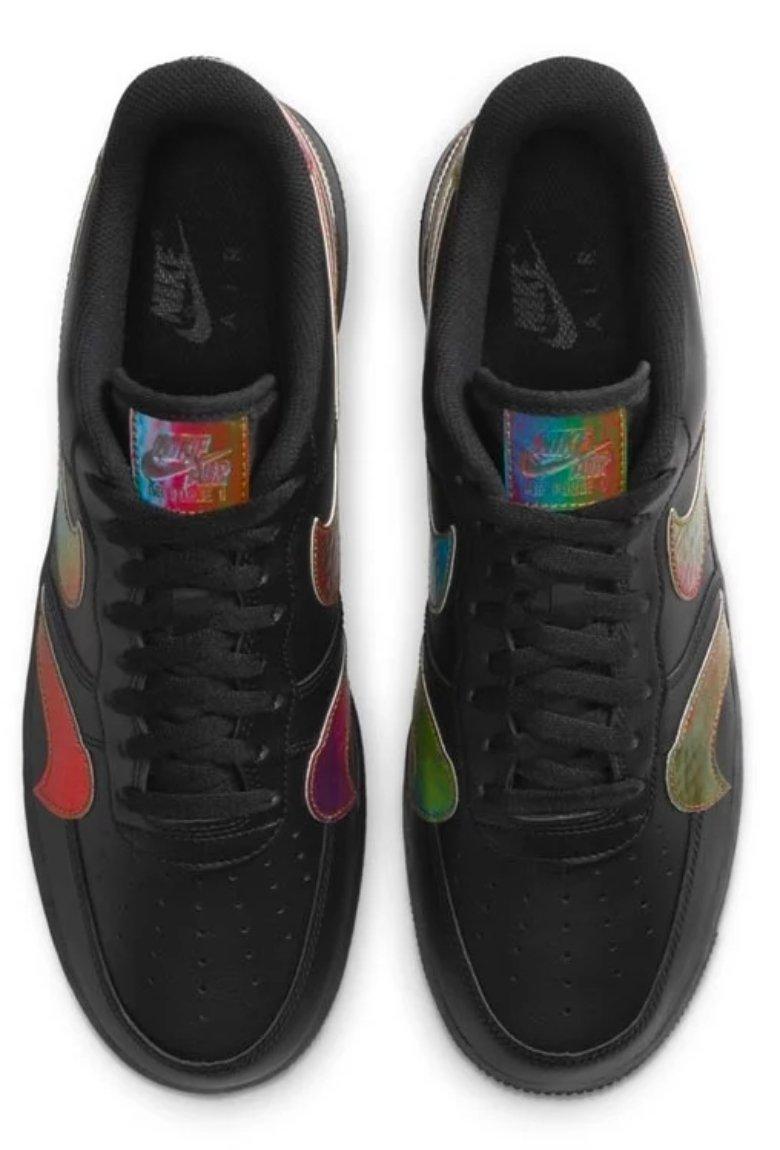 Nuevos Nike Air Force 1 con varios swoosh de colores