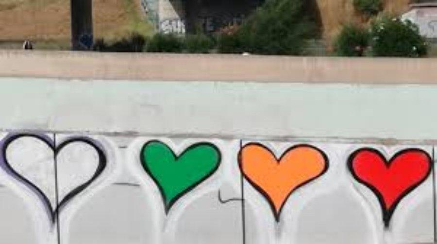grafiti de corazón en las calles de Madrid adjudicado a Pink Love