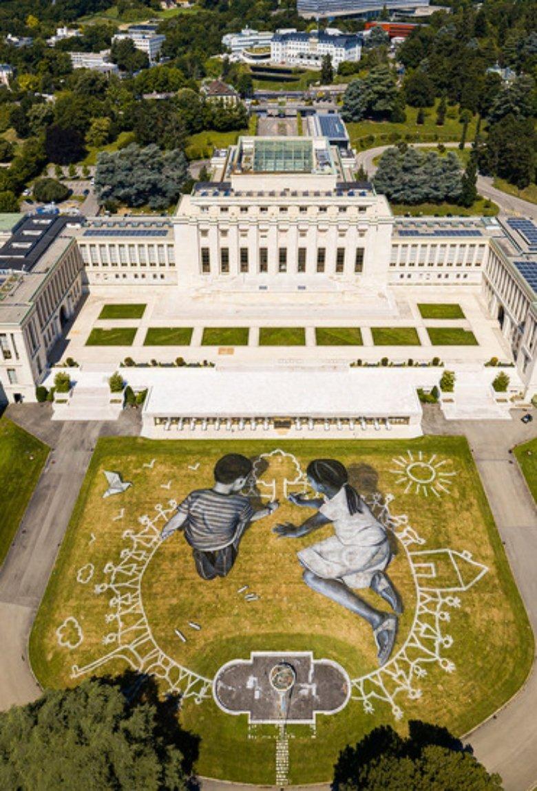 SAYPE pinta mural en la sede de la ONU en Suiza