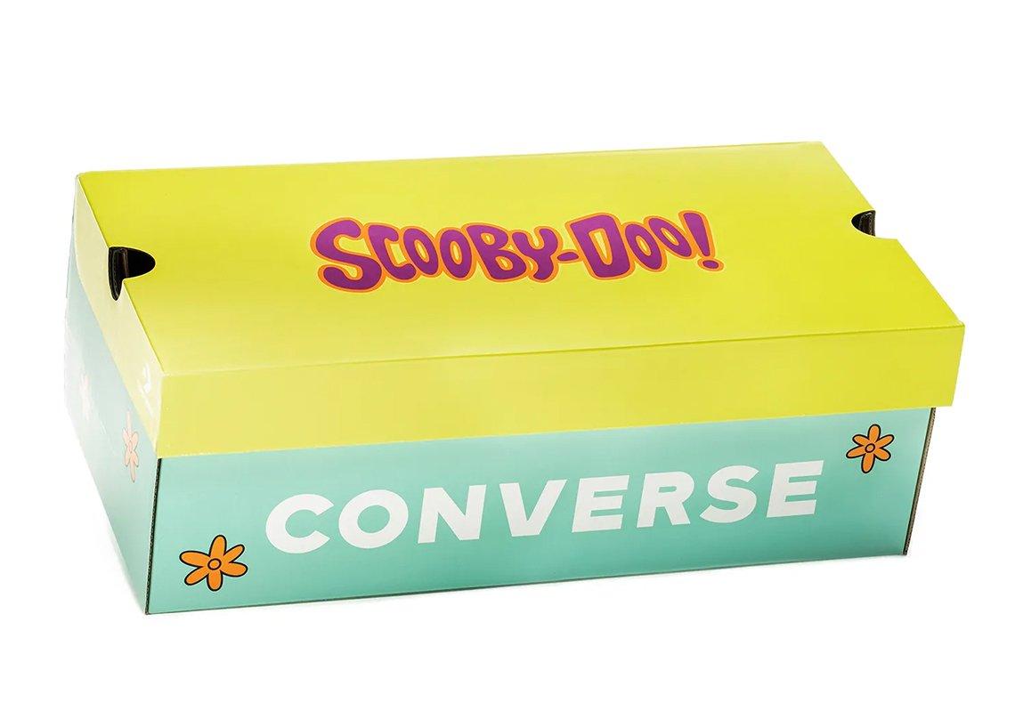 Caja de Scooby Doo amarillo con verde