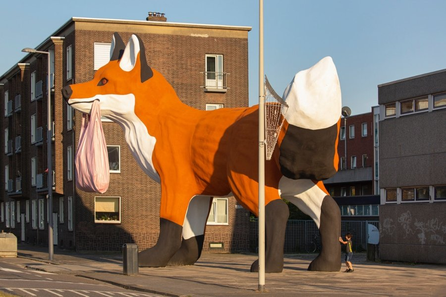 Giant fox appears on the streets of Rotterdam