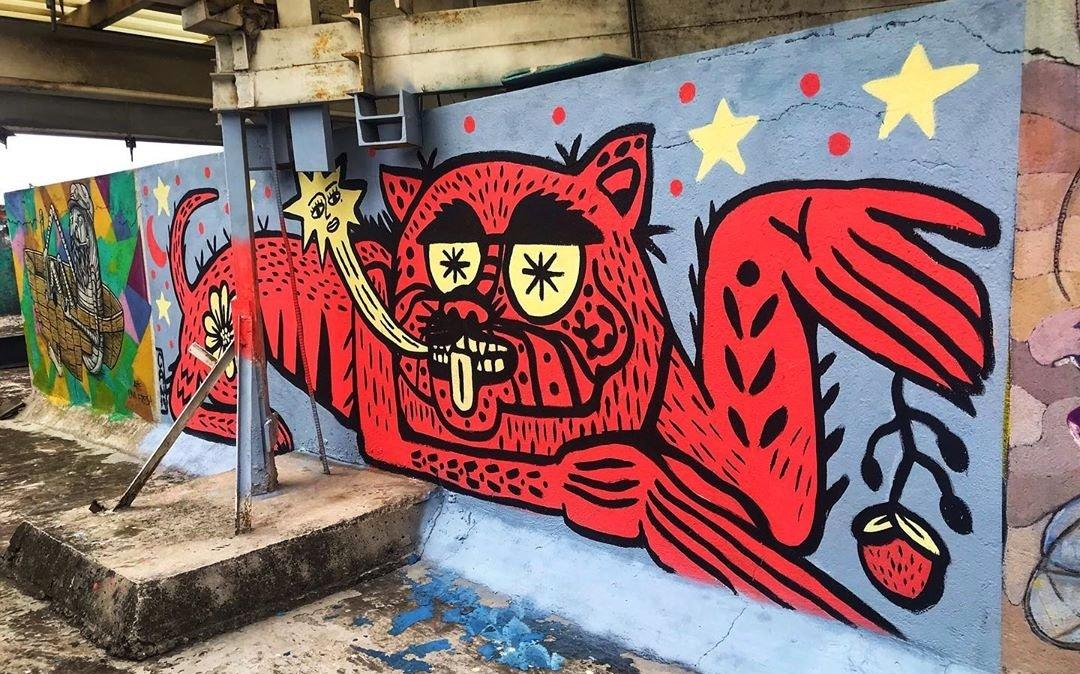 Mural de perro en fondo GRIS por CAN