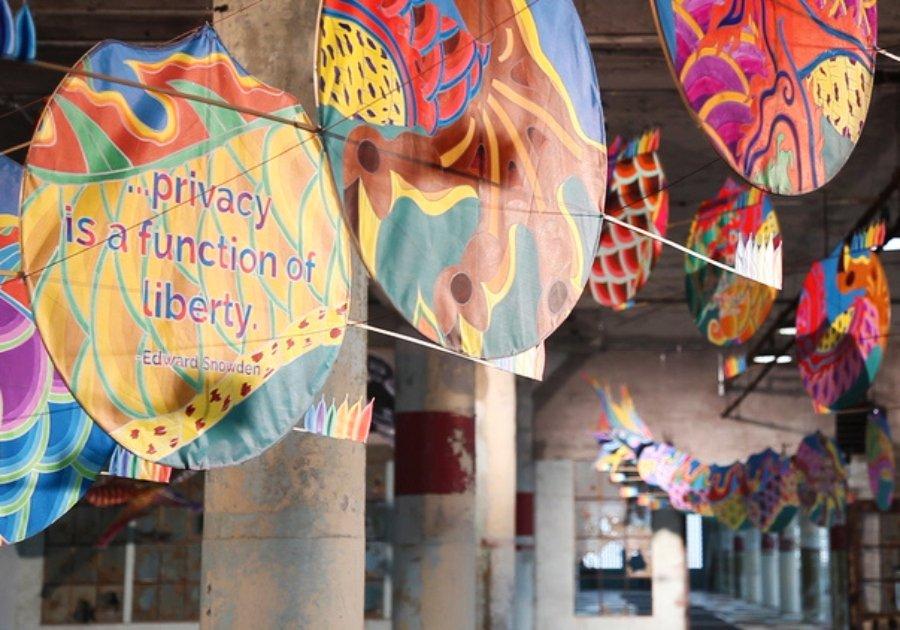 """Pieza de la exposición """"@Large: Ai Weiwei on Alcatraz"""""""