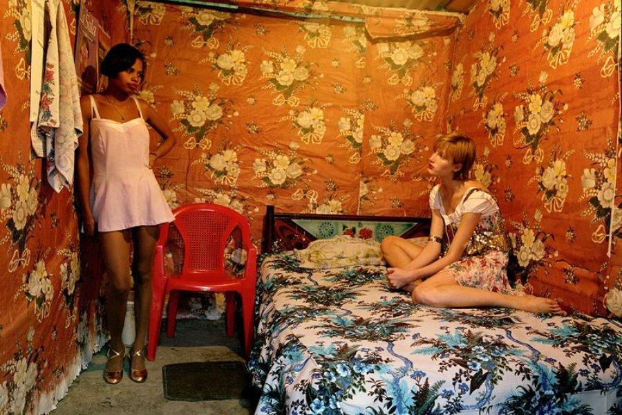 """Modelo y prostituta, Guatemala"" (2002) (8,9 ""x 11,0"") / Fotógrafos que se unieron a campaña antirracismo"