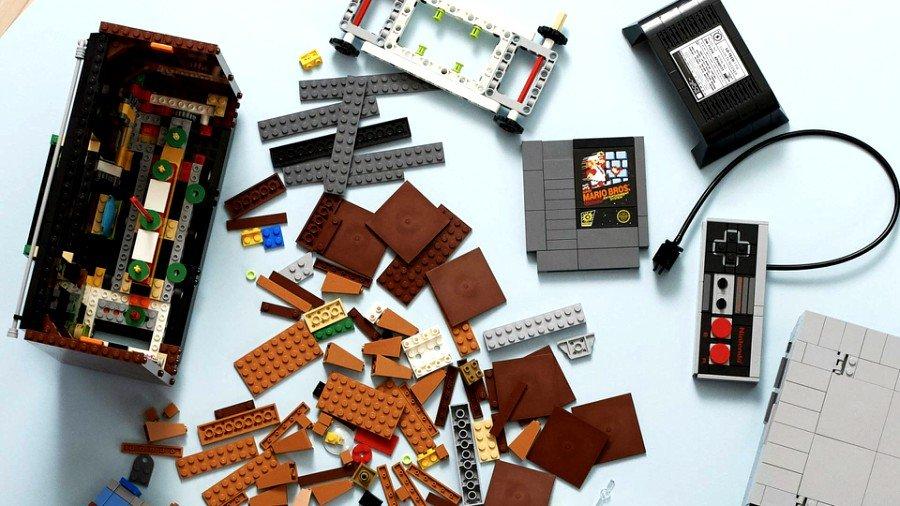 Prototipo de consola NES de LEGO