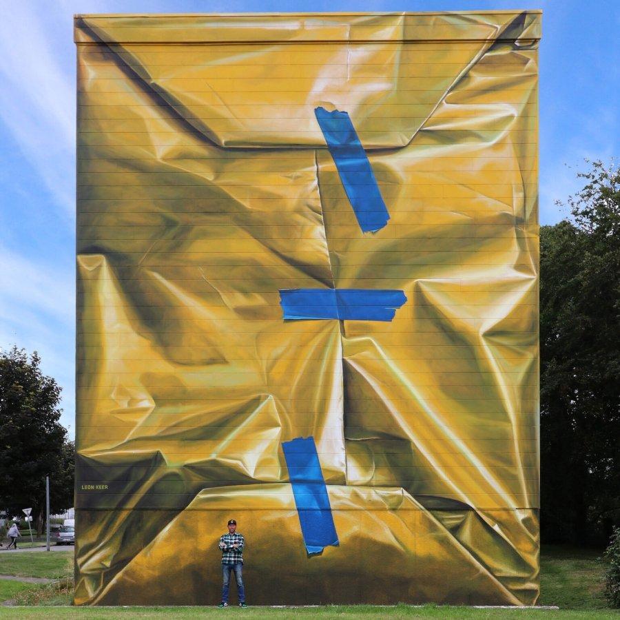 Mural by Leo Keer in France