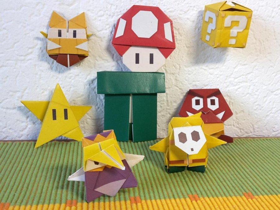 Figuras de origami con personajes Mario Bros