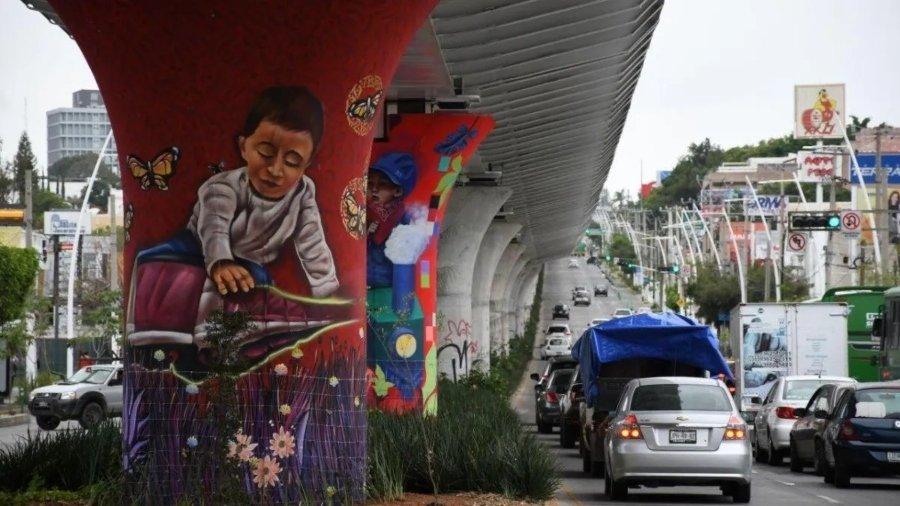 Mural actual en la línea 3 del metro en Jalisco