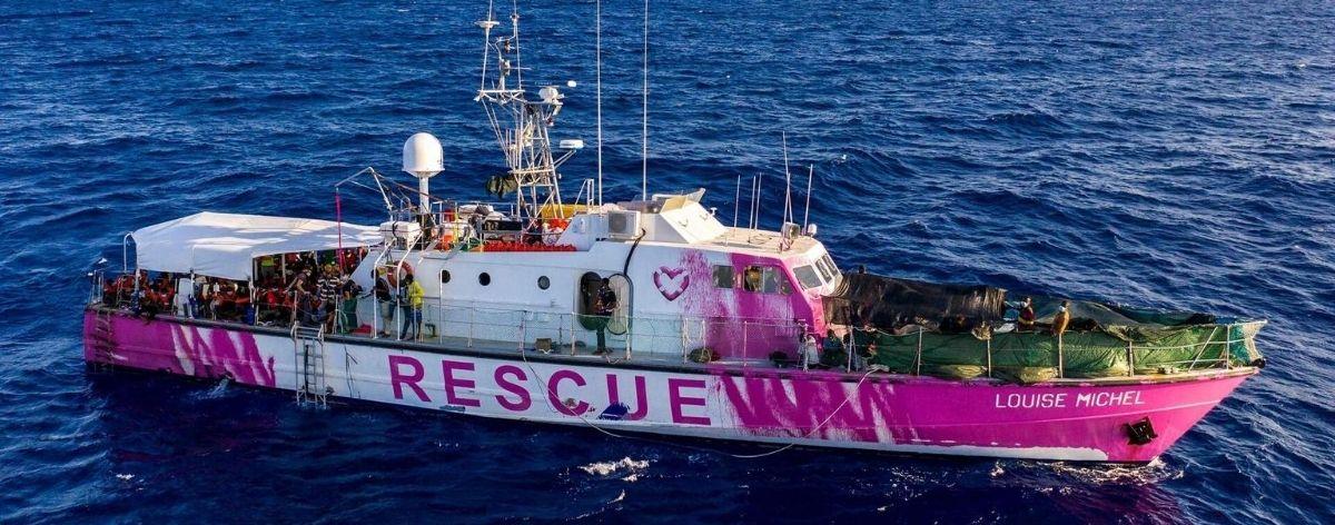 Rescatan a migrantes de barco financiando por Banksy