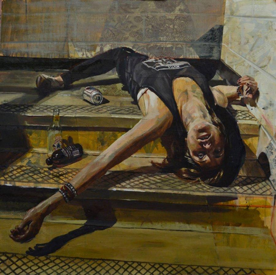 Pintura de mujer tirada en unas escaleras