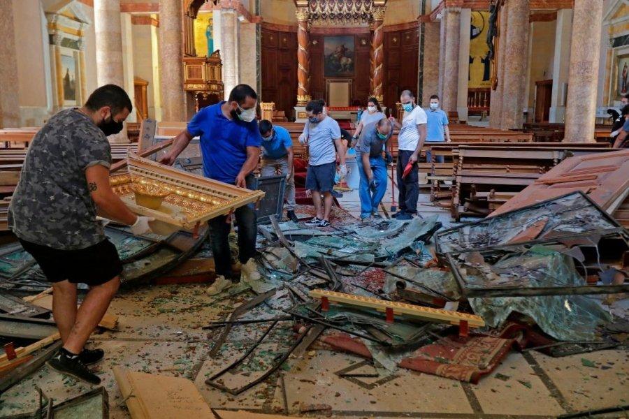 Catedral de san George Maronite afectada durante explosi´pn en Beirut