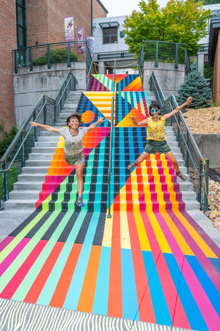 Mural de telar por Jessie y Katey