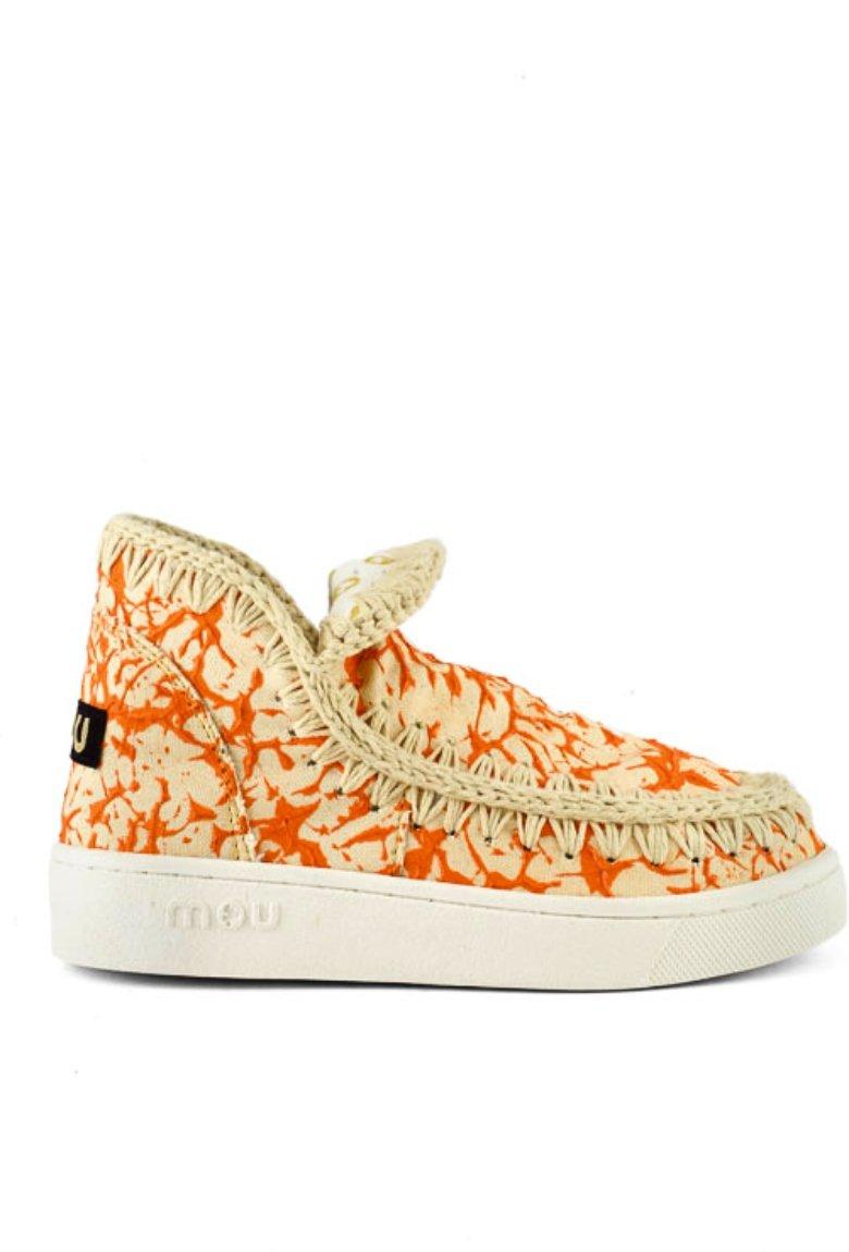 Mou lanzó sus primeros sneakers veganos