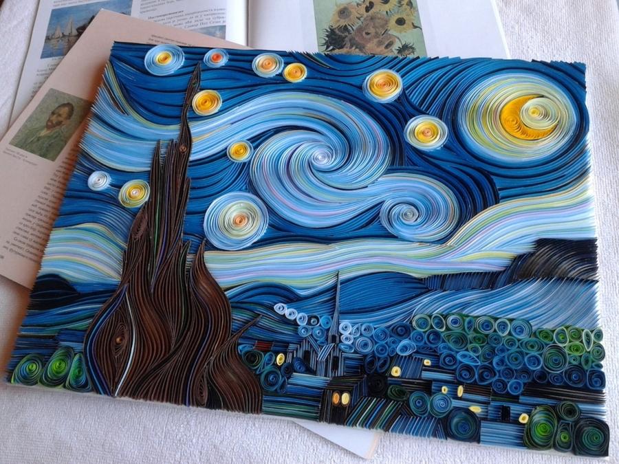 """""""La noche estrellada"""" hecha con papel"""
