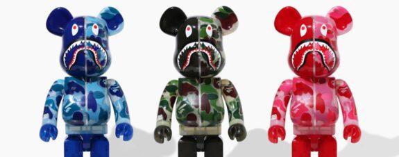 Bape lanza nuevos juguetes Be@rbrick en tres colores