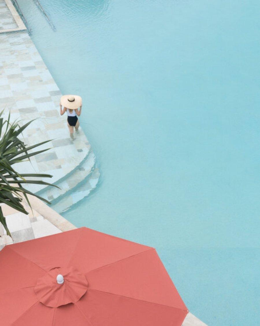 Parte de la colección  Pools From Above de Bradscanvas