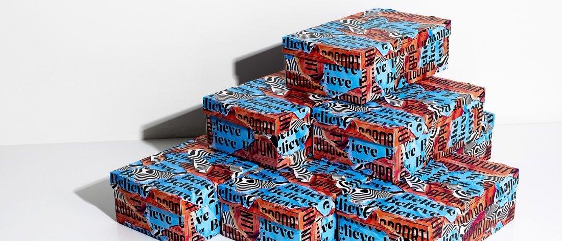 Craig Black crea cajas tipográficas para sneakers