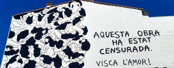 Cristina Dejuan pintó mural con mujeres besándose y lo censuran