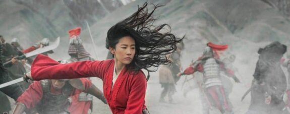 Live action de Mulan en aprietos comunistas