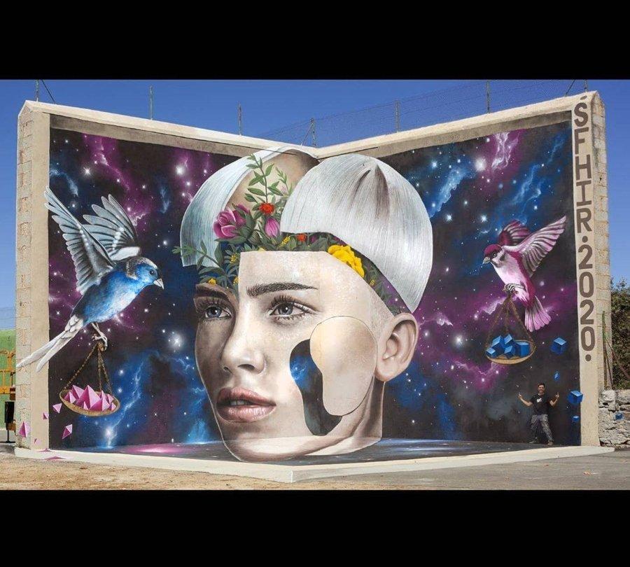 Mural por Sfhir en España
